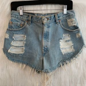 🇺🇸 Vintage distressed Levi shorts